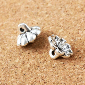 Findings Vintage Floating Small Flower Charms 11x9mm - Silver Plated